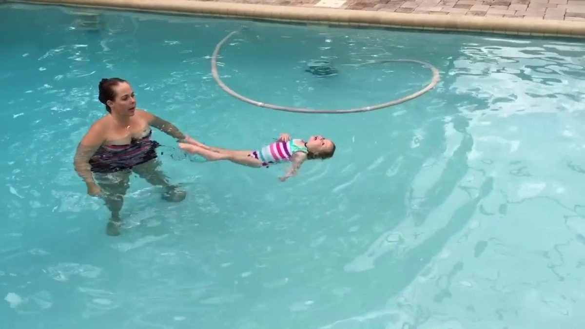 Ellie floating and swimming [VIDEO]
