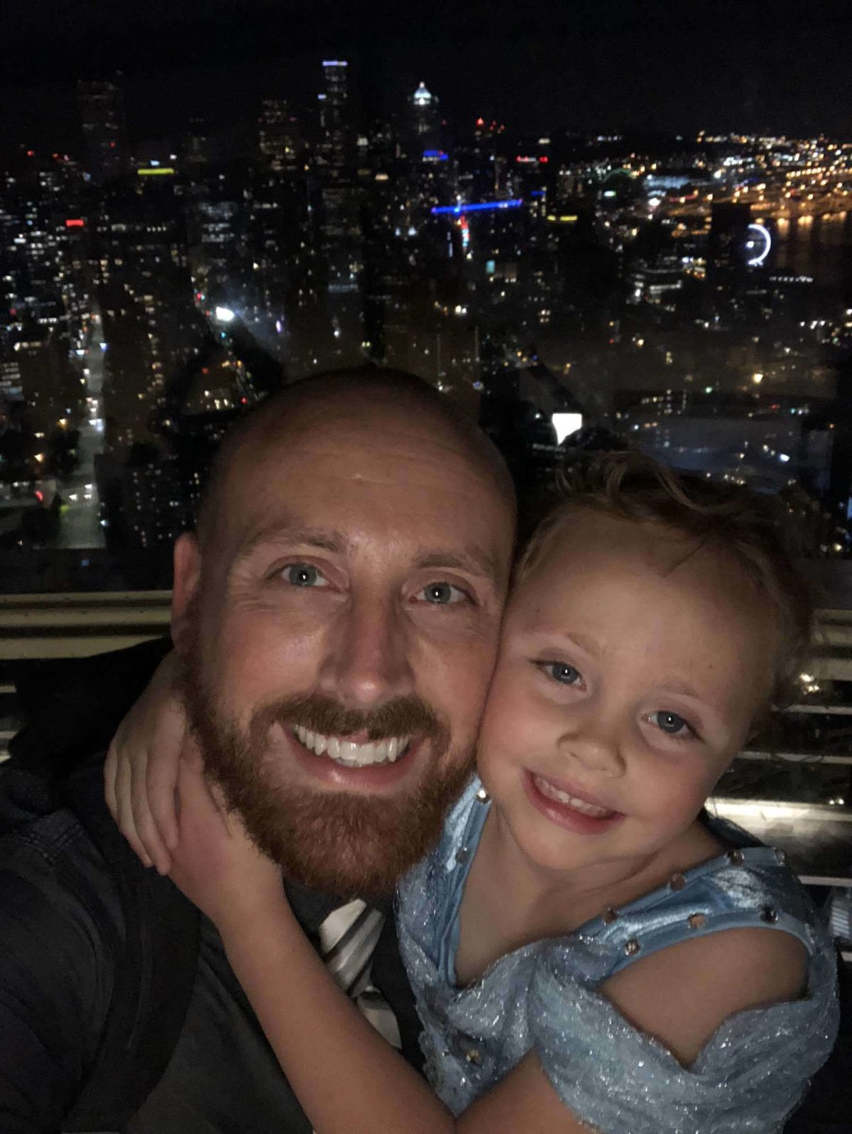 Ellie and Daddy do Seattle [VIDEO]